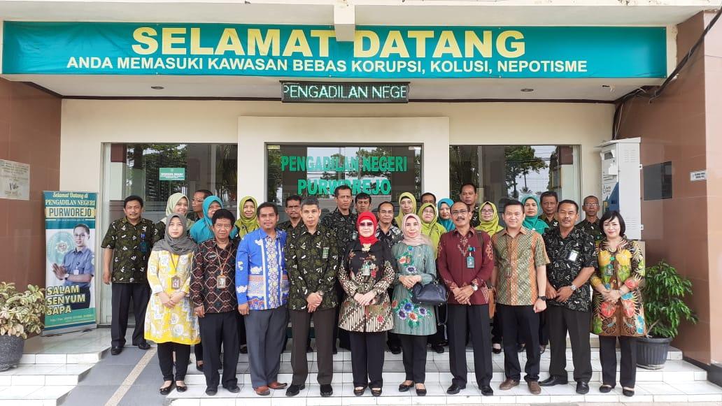 Kunjungan YM Ketua Pengadilan Tinggi Jawa Tengah Dalam Rangka Pembinaan dan Pengawasan