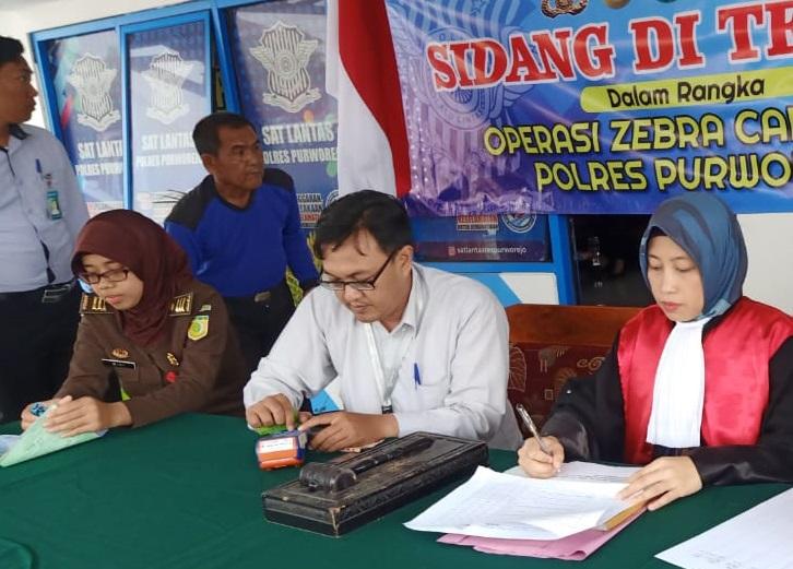 Pengadilan Negeri Purworejo melaksanakan Sidang di tempat Operasi Zebra Candi 2019 Polres Purworejo