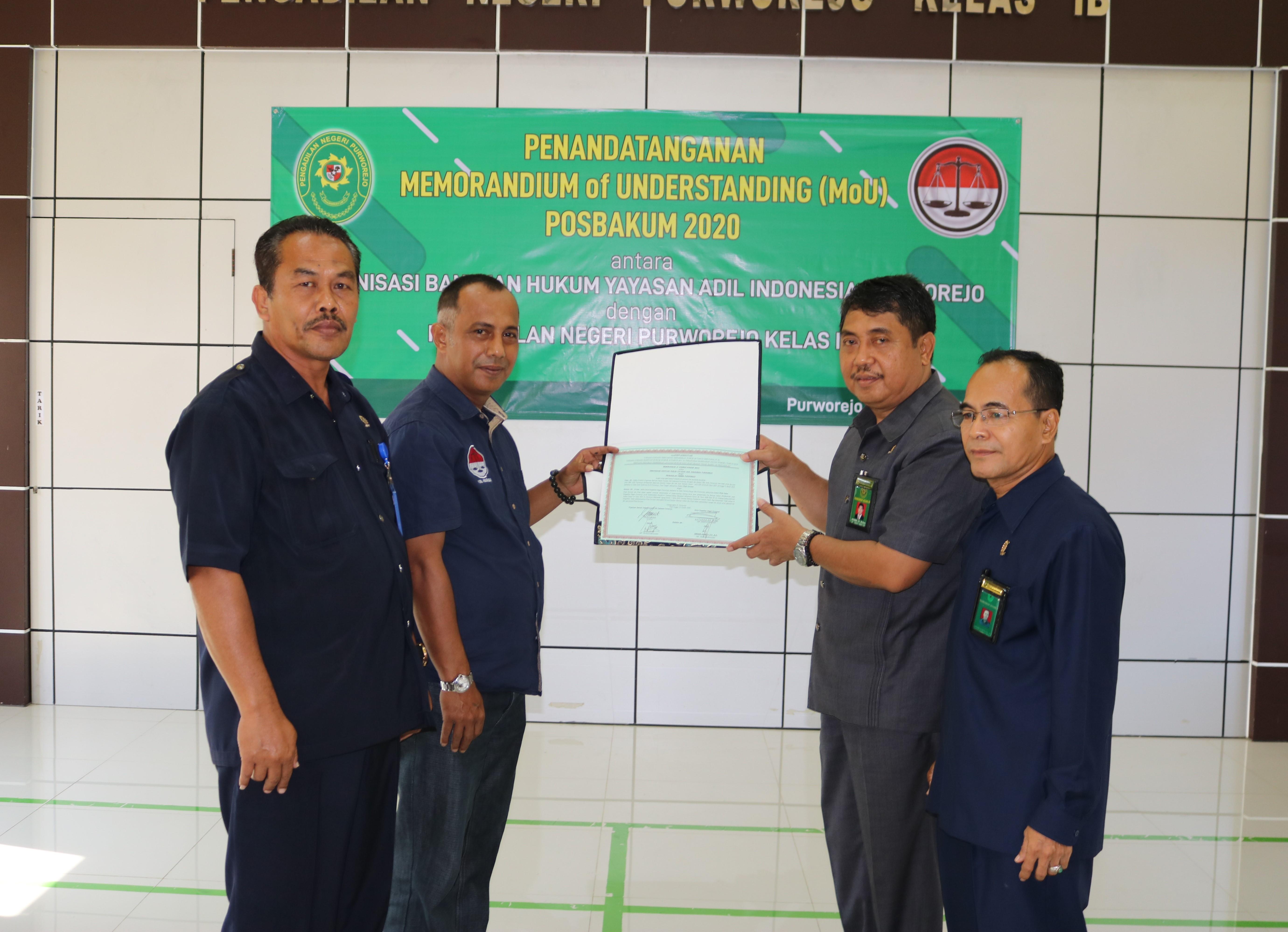 Penandatangan Memorandium of Understanding (MoU) Posbakum 2020 Pengadilan Negeri Purworejo Kelas I B